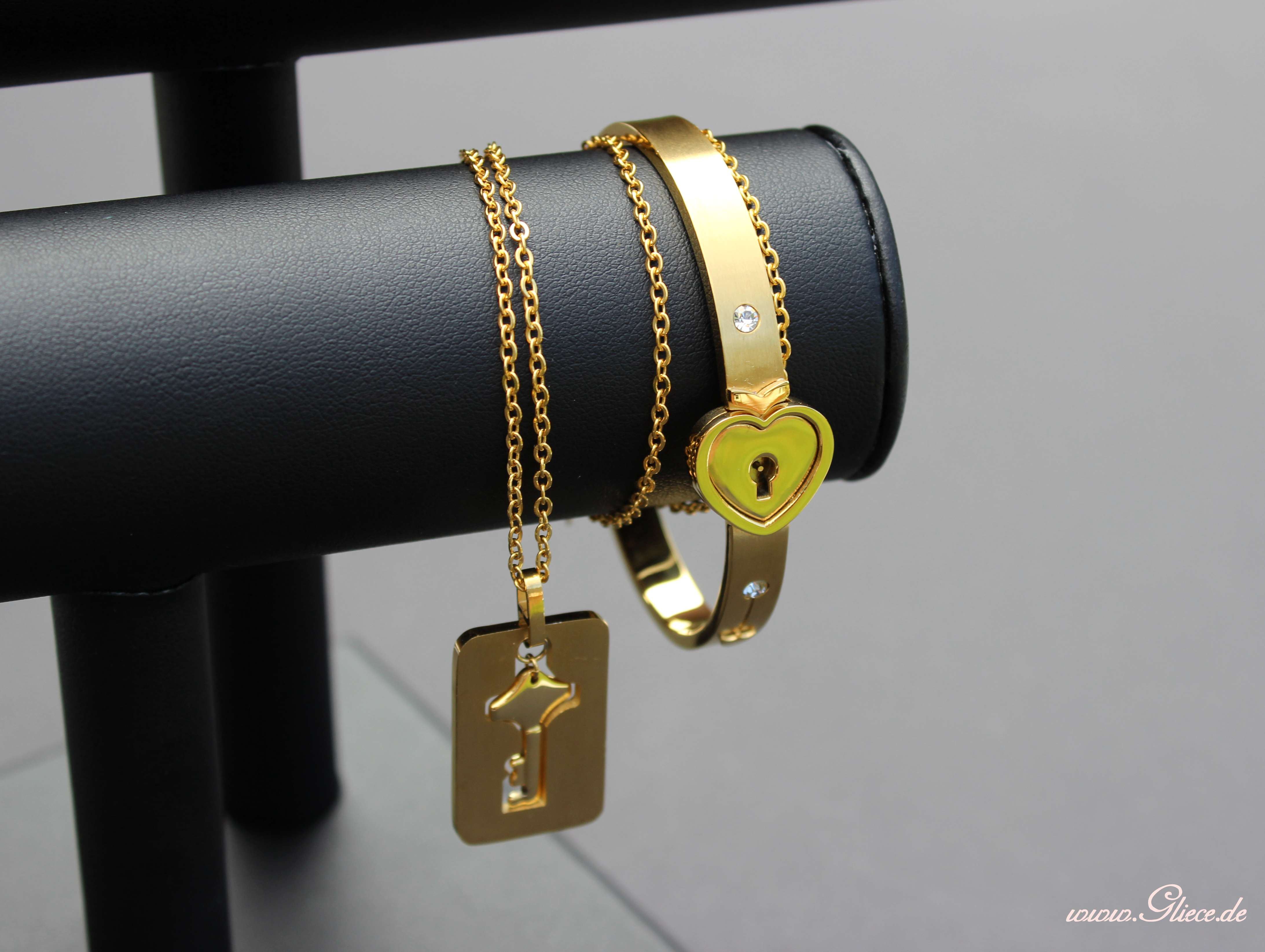 edelstahl armband mit entsprechender kette. Black Bedroom Furniture Sets. Home Design Ideas